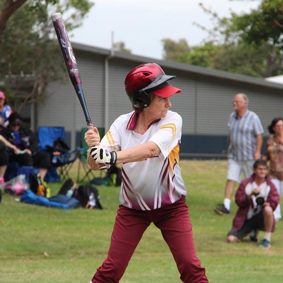softball-570-570