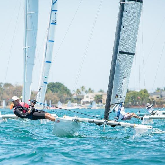 sailing-570-570