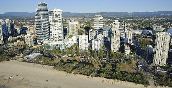 kurrawa-beach-585-300